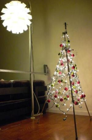 arboles de navidad alternativas arbol tripode1 Árbol de Navidad: Alternativas Originales
