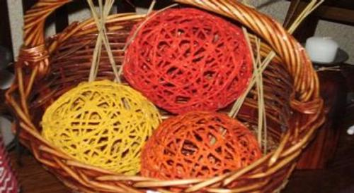 Estas bolas de hilo sisal , se pueden usar para hacer centros de mesa