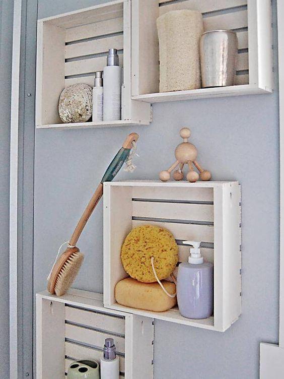 cajas de madera como estantes