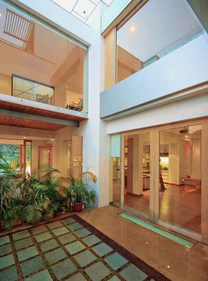 · Interior de la casa (patio interno) · Casa-b-99-dada-partners-12