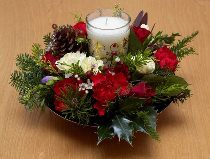 centro de mesa navidad bolas flores velas fuente Ideas de Centros de Mesa para Navidad  Segunda Parte