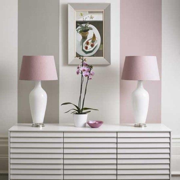 C mo pintar paredes a rayas continuaci n for Sofa gris como pintar las paredes