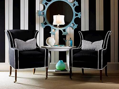 muebles en blanco y negro con toques azul