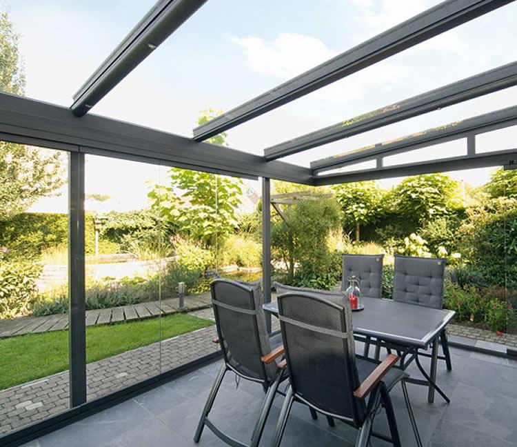 C mo crear un espacio fresco en verano - Cubiertas de cristal para terrazas ...
