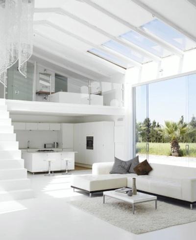 Deco idea interiores modernos en blanco puro for Casa minimalista interior blanco