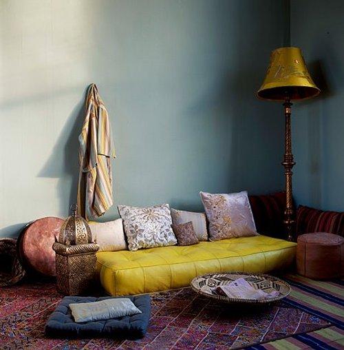 Baños Estilo Marroqui: de estilo marroquí , entre ellos, la iluminación y los muebles