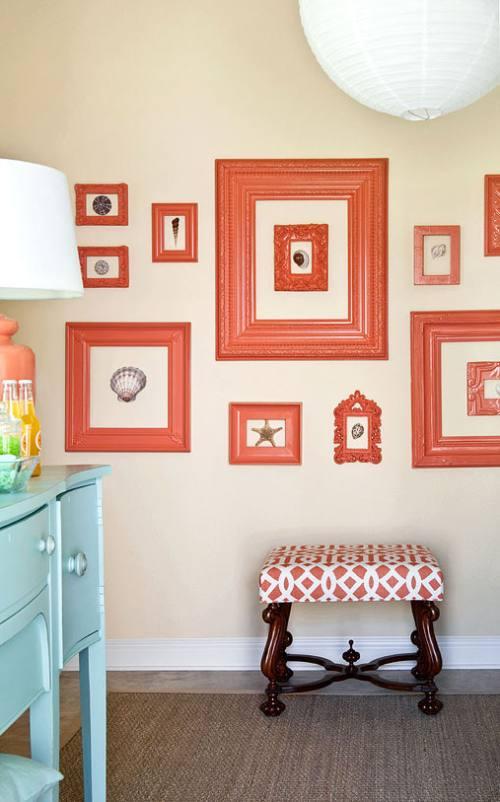 decoracion-paredes-cuadros-marcos-vacios-1