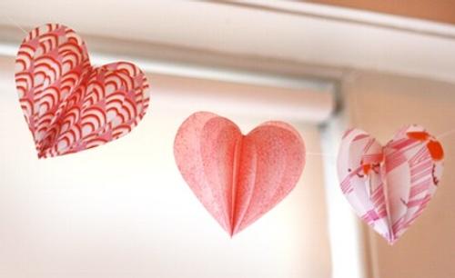 decoracion san valentin guirnalda corazones tela 1 Decoración San Valentín: Guirnaldas de Corazones de Tela