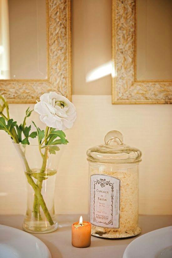 Detalles simples para decorar el ba o - Bano con velas ...