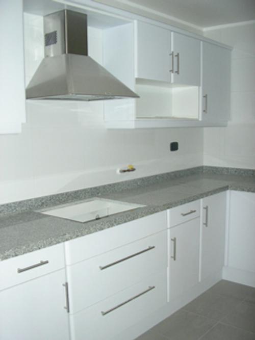 Encimera de cocina tipos de encimeras for Encimeras de madera para cocinas