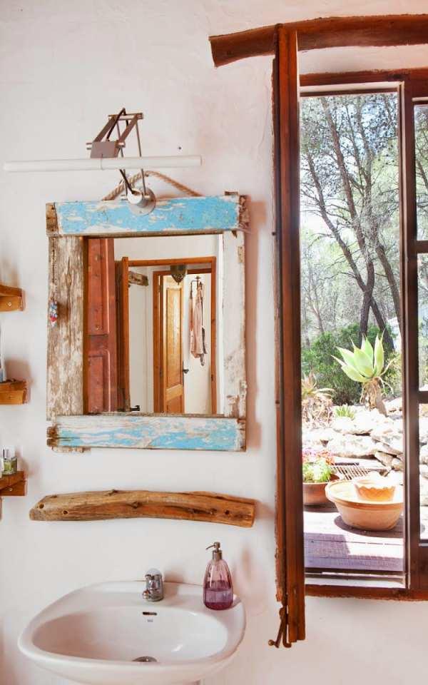 Un espejo reciclado para decorar el ba o for Espejos ovalados para decorar
