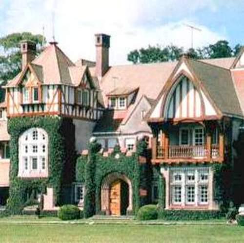Pin fachadas casas tudor and post mycelular ajilbabcom - Casas estilo ingles ...