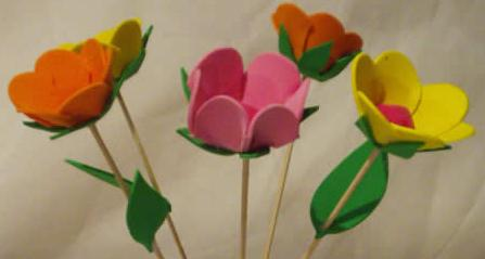 divertidas y atractivas las flores de foami, es la combinación de ...