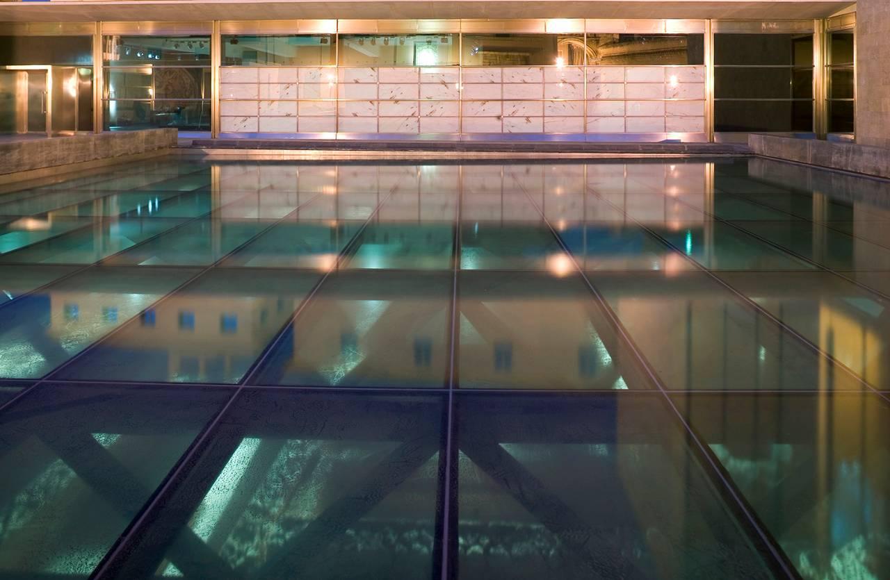 Ampliar visualmente los espacios con suelos de cristal - Suelos de vidrio ...