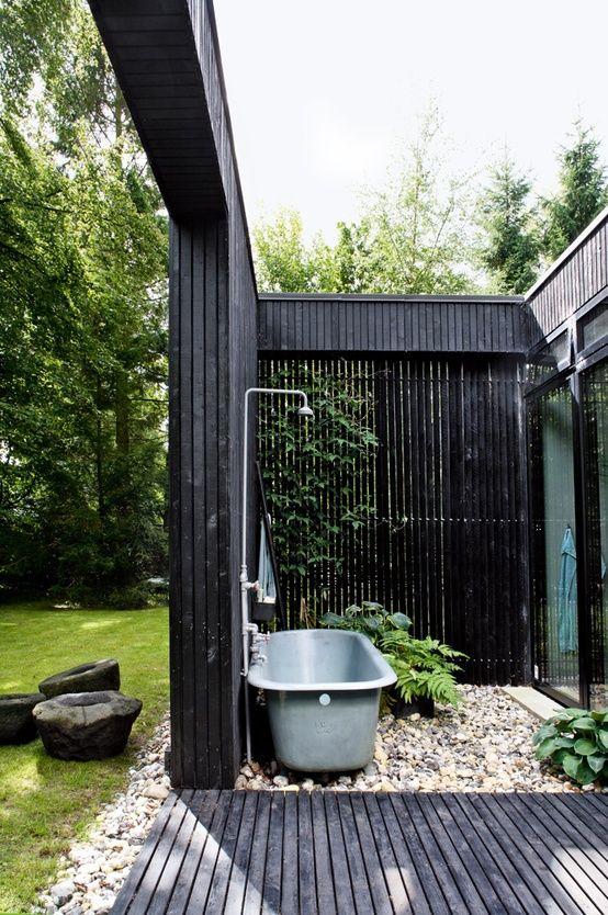 verano en casa: duchas en exterior+bañera