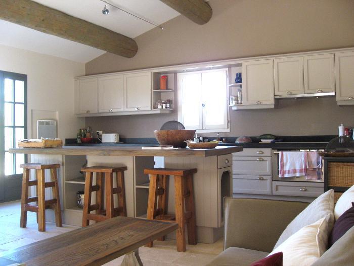 C mo aprovechar una isla o barra de cocina continuaci n for Cocinas modernas con isla central y desayunador
