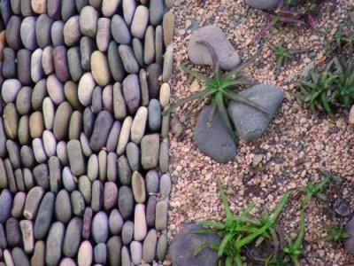 jardin decorado 400x300 Bolos decorativos para el jardín