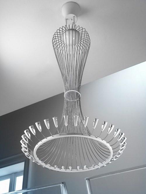 L mpara colgante de alambre dise o elegante y moderno - Lamparas de diseno moderno ...
