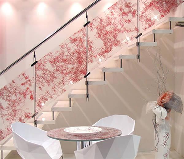 Escaleras de cristal con diseños personalizados