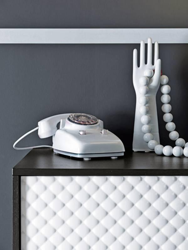 Baño Blanco Para Bizcochos: textured bathroom furniture in black and white from falper de Freshome