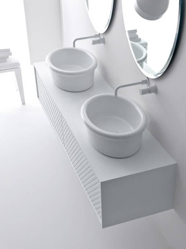 Baño Blanco Para Bizcochos:Muebles de Baño Atemporales en Blanco y Negro