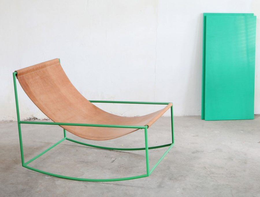 Mecedora minimalista y con encanto for Muebles diseno minimalista
