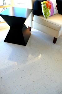 piso blanco 199x300 Cómo Cuidar los Pisos