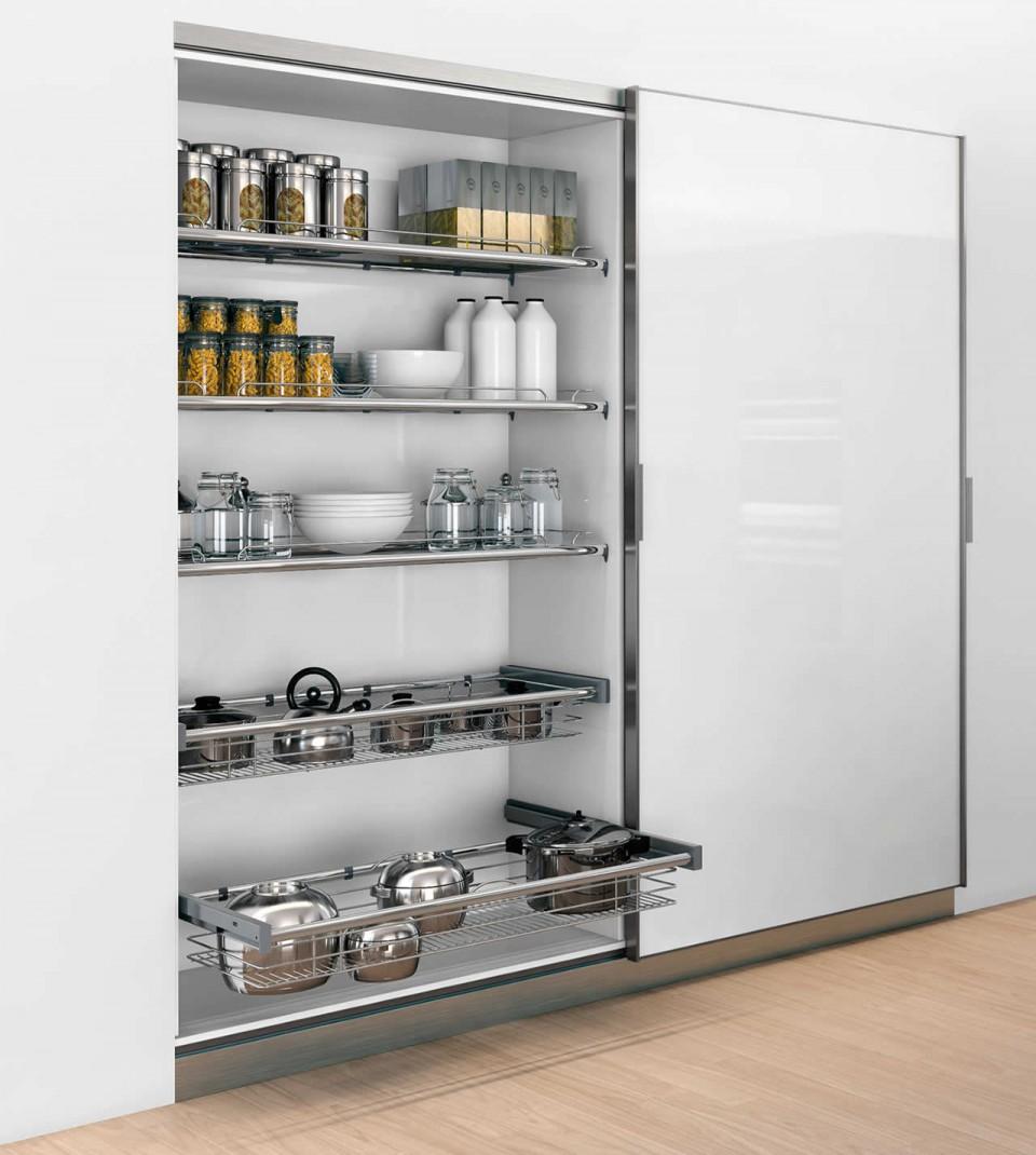 Sistema de Corredera Eléctrica en Armario de Cocina