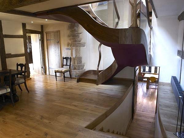 Restauraci n de una casa con toques originales y modernos for Restauracion de casas viejas