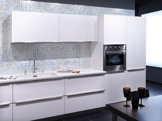 Revestimientos para cocinas con elegantes mosaicos v treos for Paredes para cocina