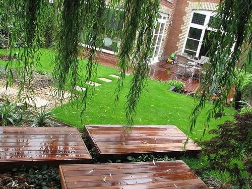 C mo hacer un sendero en el jard n de casa - Losas de jardin ...