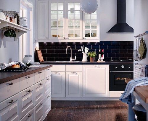tips utiles cocinas pequenas colgadores 4 Tips Útiles para Cocinas Pequeñas: Colgadores