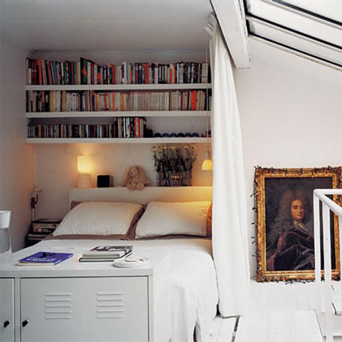 Trucos para casas o pisos con poco espacio How to store books in a small bedroom