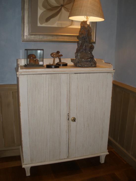 Muebles de madera antiguos simple restaurar muebles de for Restaurar muebles de madera viejos