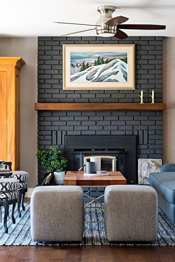 zona de estar con muro gris